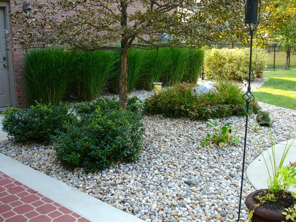 Choosing White Rocks for Landscaping